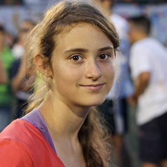 Lány táborozóról kép a PEOPLE TEAM-táborban