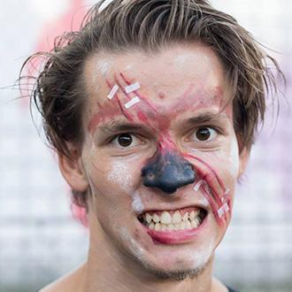 PEOPLE TEAM-táboroztató arcfestésben