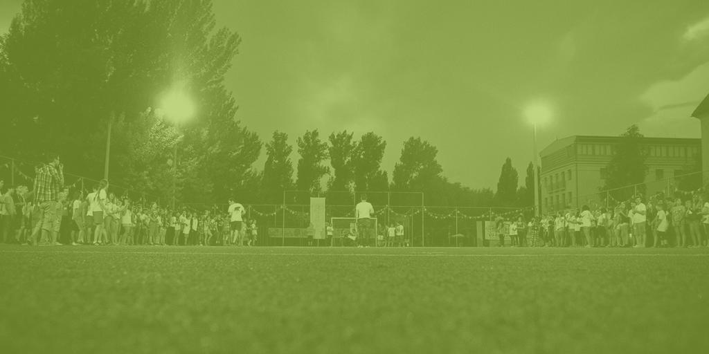 PEOPLE TEAM-tábor közös programja a sportpályán