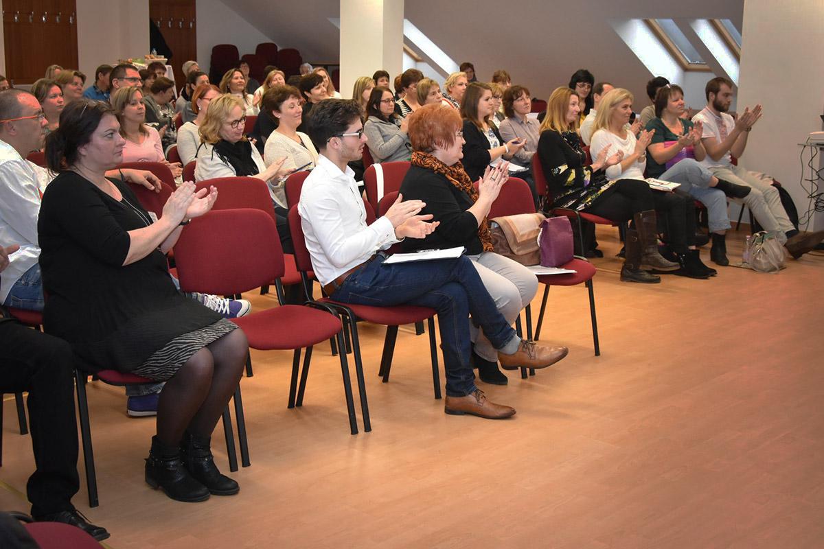 Konferencia, előadás